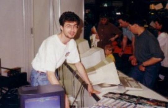 Un'altra foto d'epoca. Che è vecchia lo si capisce dal fatto che Paolo non solo ha ancora i capelli, ma ne ha anche troppi! (1992 circa)